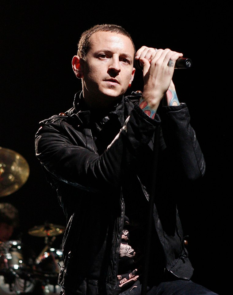 chester-bennington-of-linkin-park-performs-at-the-staples-center-march-4-2008